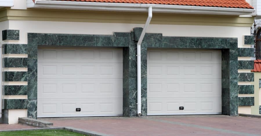 5 Innovative Garage Door Trends Worthy of Your Attention